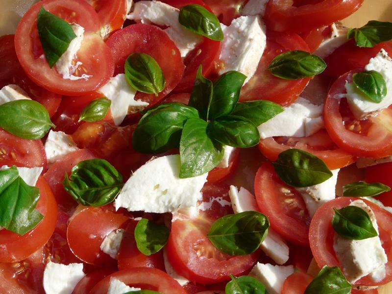 Ensalada de Tomates, Mozzarella y Albahaca